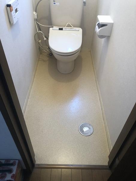床を張り替える前の我が家のトイレの画像