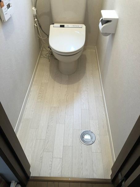 床の貼り替えが終わった我が家のトイレ