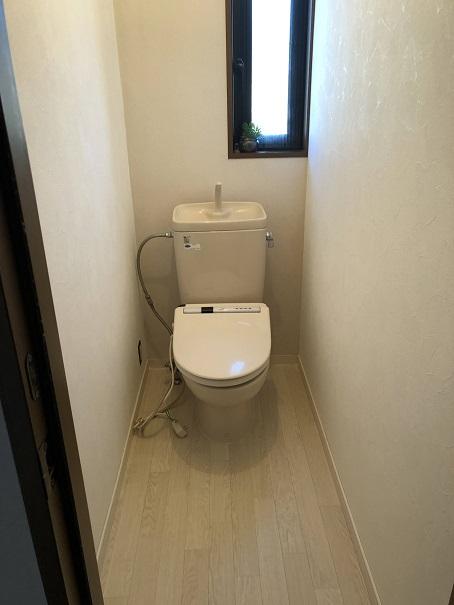 床とクロスを貼り替えたあとの我が家のトイレ