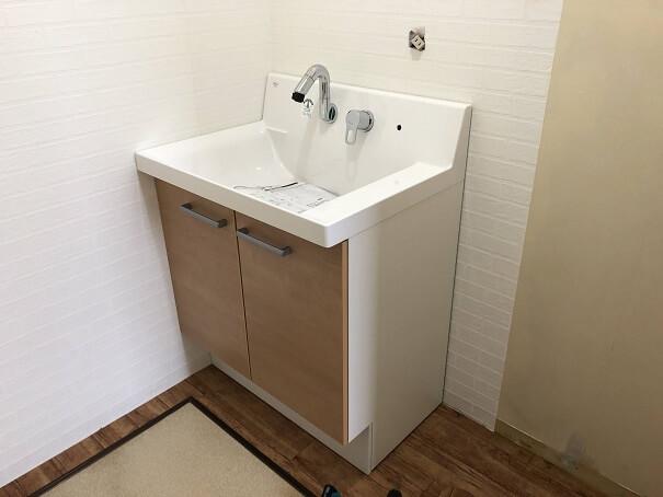 新しい洗面台を設置したところ
