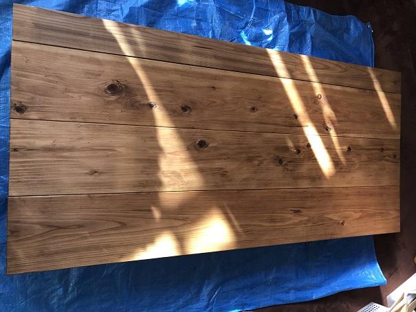天板材料全てにワトコオイルを塗り終わったところ