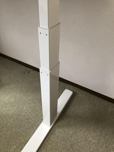 FLEXISPOT電動昇降式スタンディングデスク E3の脚部分