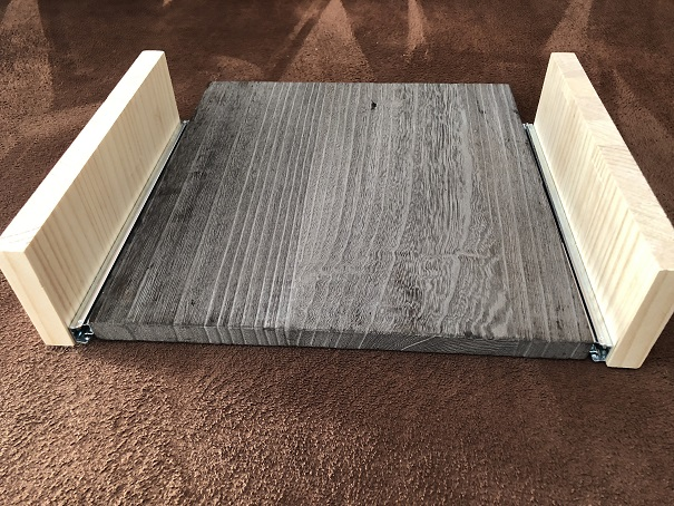 端材とスライドレールで作った引き出しのようなもの