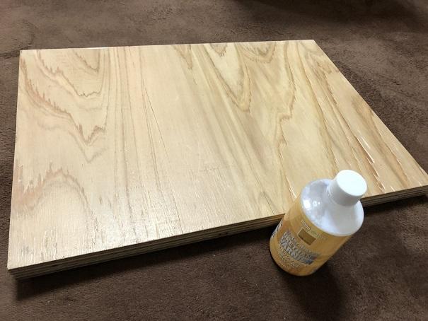 DIYで自作した食洗機用の台を水性ウレタンニスで塗装